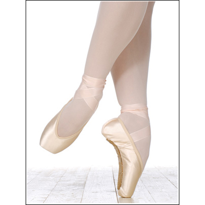 Grishko- Elite***Online Special**** Style #: Grishko- Elite. An ideal choice for a dancer who has wide, square feet and a normal or low arch. The broad platform is excellent for balance on pointe, offering optimal stability. The shoe has a U-shaped low vamp that provides perfect fit and comfort. The Elite is not pre-arched, and like our other Eleve models, it allows an easy transition from demi-pointe to pointe and back.<br>